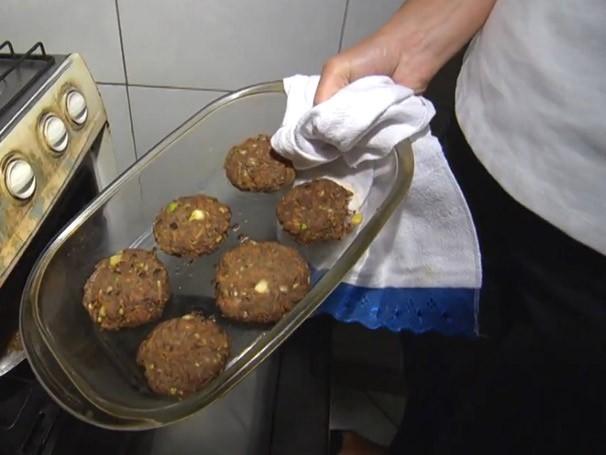 Família Bruno aprende a substituir produtos industrializados por lanche saudável (Foto: Globo)