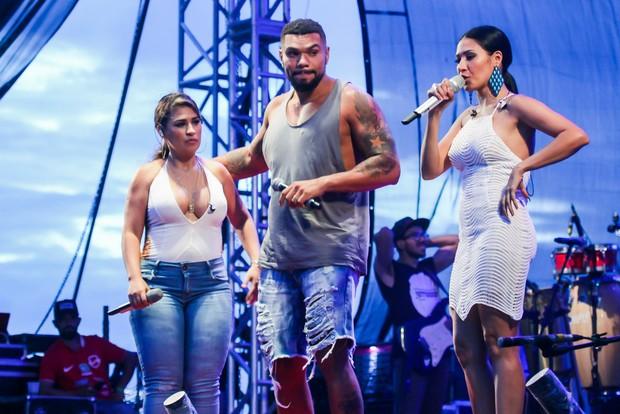 Simone, Simaria e Naldo (Foto: Manuela Scarpa e Marcos Ribas/Brazil News)