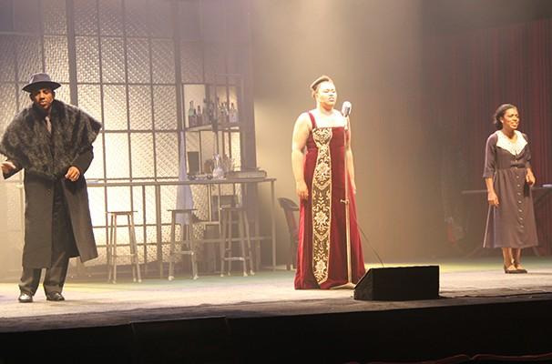 Milton Filho, Lilian Valeska e Vilma Mello em cena do musical (Foto: Globo Teatro)