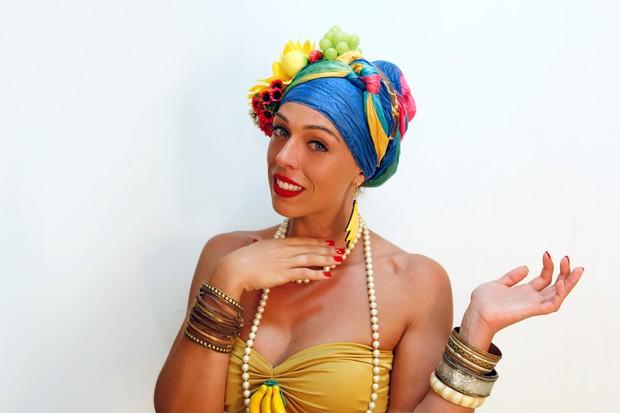 MODA - Passo a passo fantasia de carnaval - Sharon Azulay (Foto: Jessica Monstans / EGO)