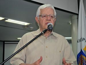 Ministro Moreira Franco em Rio Branco, Acre (Foto: Veriana Ribeiro/G1)