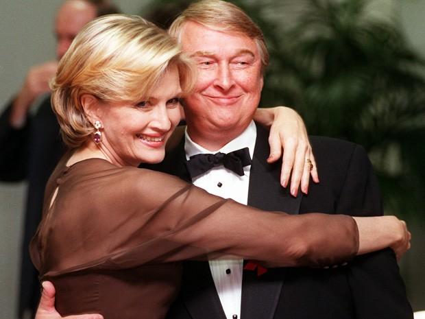 A jornalista Diane Sawyer e seu marido, o diretor Mike Nichols, em 1997 (Foto: AP Photo/Chris Pizzello, FILE)