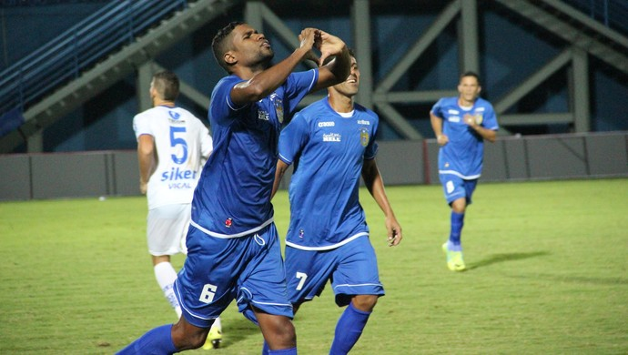 Nacional Robinho Gol  (Foto: Marcos Dantas)