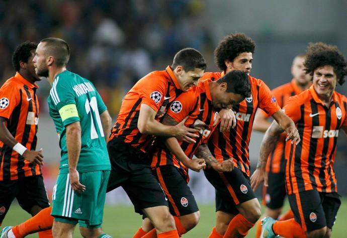 Marlos gol Shakhtar Rapid Viena (Foto: Reuters)