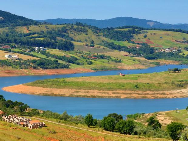 Vista da represa Jaguari-Jacareí, na cidade de Piracaia, no interior de Sao Paulo, integrante do Sistema Cantareira, no dia 25 de abril de 2016 (Foto:  Luis Moura/WPP/Estadão Conteúdo)
