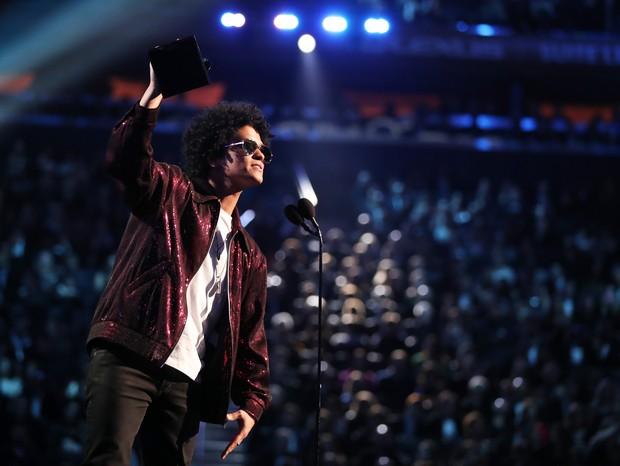 Bruno Mars no Grammy 2018: o pop descompromissado dominou a cerimônia (Foto: getty images)
