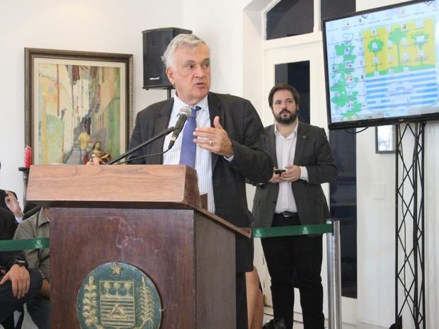 Ministro Juca Furtado prometeu aplicação de R$ 1,5 milhão na cultura do Piauí (Foto: Catarina Costa/G1)
