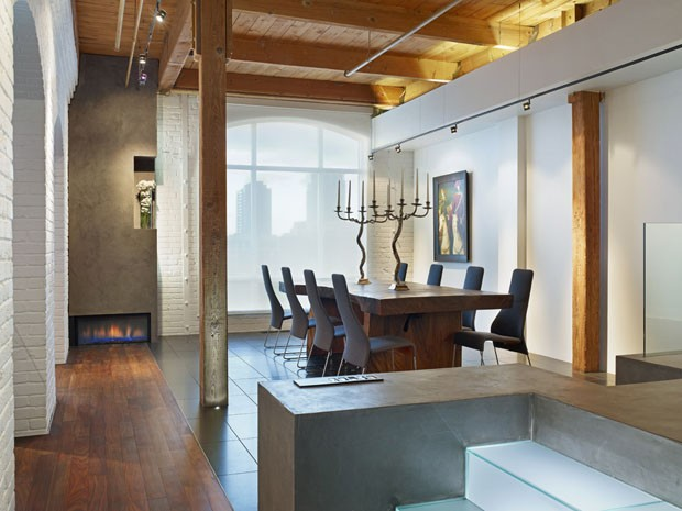 Fábrica de doces antiga vira apartamento elegante e confortável (Foto: Johnson Chou/Divulgação)
