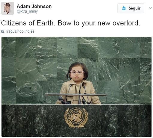 """""""Cidadão da Terra. Curvem-se para seu novo líder supremo"""" (Foto: Reprodução Twitter)"""