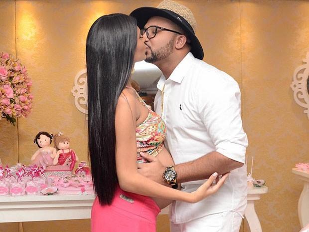 MC Pocahontas e MC Roba Cena no chá de bebê da filha, Vitória (Foto: Photography Studio/ Divulgação)