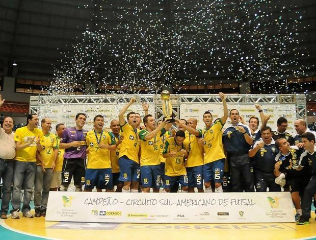 futsal brasil e paraguai campeão (Foto: Luciano Bergamaschi / CBFS)