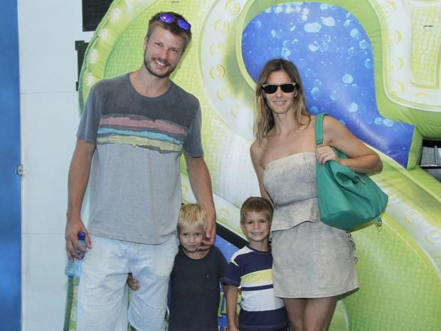 Fernanda LIma e Rodrigo Hilbert com os filhos (Foto: Roberto Filho/Agnews)
