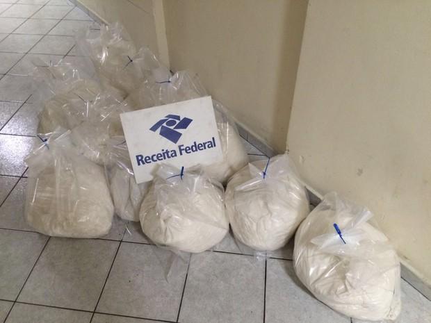 Droga foi encontrada no Porto de Santos, SP (Foto: Receita Federal / Divulgação)