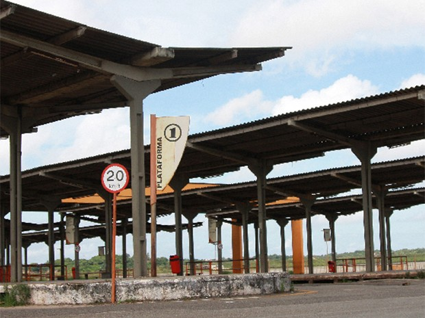 Terminal de Integração da Praia Grande amanheceu com pouca movimentação (Foto: Flora Dolores/O Estado)
