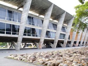 O prédio do Museu de Arte Moderna (MAM) é um dos mais conhecidos da cidade. O projeto é do arquiteto Affonso Eduardo Reidy. (Foto: Marina Herriges/ Divulgação Riotur)