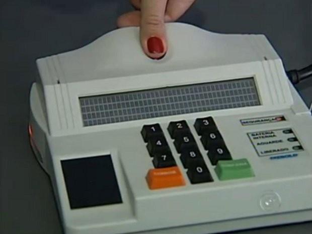 No Brasil, quase oito milhões de pessoas vão votar pela biometria (Foto: Reprodução / TV Tem)
