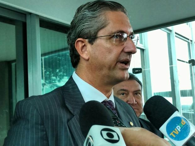 O líder do PSD, Rogério Rosso (DF), após reunião com o ministro da Fazenda, Nelson Barbosa (Foto: Carolina Cruz/G1)