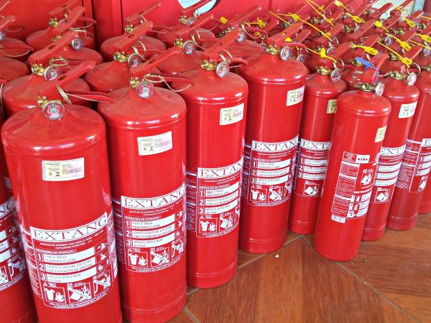 Denatran adiou até 1º de julho exigência do extintor veicular ABC (Foto: Iryá Rodrigues/G1)