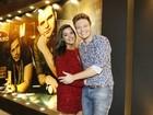 Em meio a boatos de gravidez, Thais Fersoza vai com Michel Teló à Sapucaí