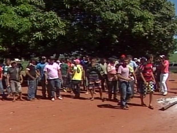 Grupo está passando até fome e não tem lugar para morar (Foto: Reprodução/TV Integração)
