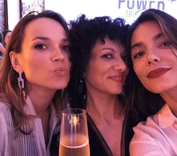 Adriana Ferreira: Seguimos tomando drinque com as amigas, né Marina Caruso e Laura Ancona? ;-) (Foto: Arquivo pessoal)
