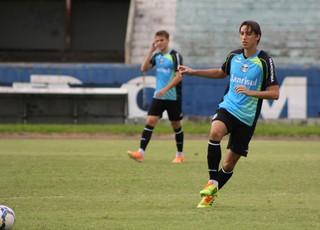 Geromel e Bressan treinam na equipe titular (Foto: Diego Guichard)