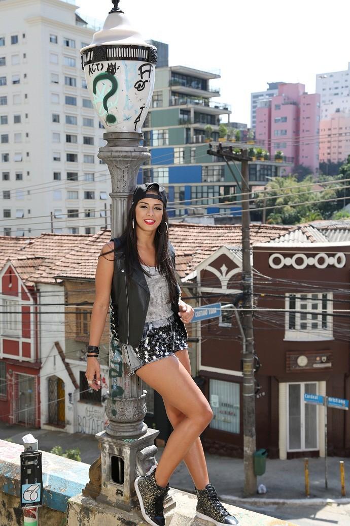 Tainá Grando em ensaio inspirado no funk (Foto: Carol Caminha/Gshow)