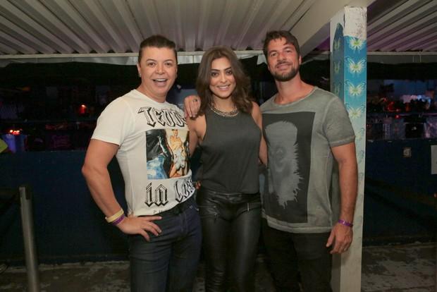 David Brazil e Juliana Paes com o marido (Foto: Reginaldo Teixeira/Divulgação)