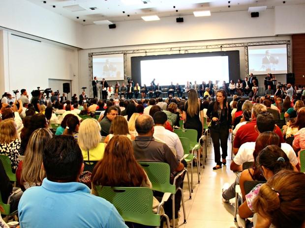 Anúncio foi realizado no Centro de Convenções Vasco Vasquez (Foto: Jamile Alves/ G1 AM)