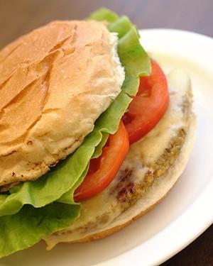 Hambúrguer de grão-de-bico  (Foto: Divulgação)