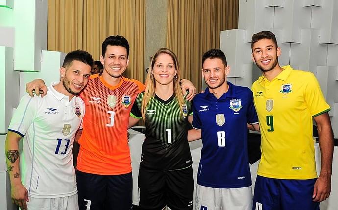 Lançamento, camisa, seleção brasileira, futsal (Foto: Ricardo Artifon/CBFS)
