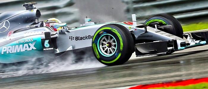Lewis Hamilton na chuva