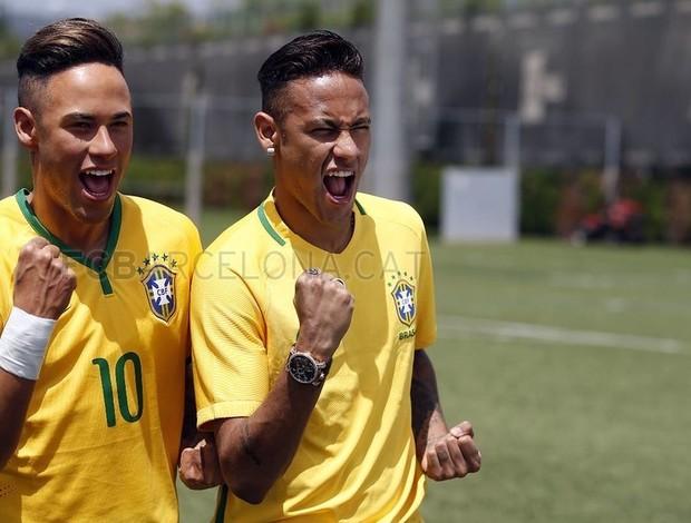 Neymar e estátua