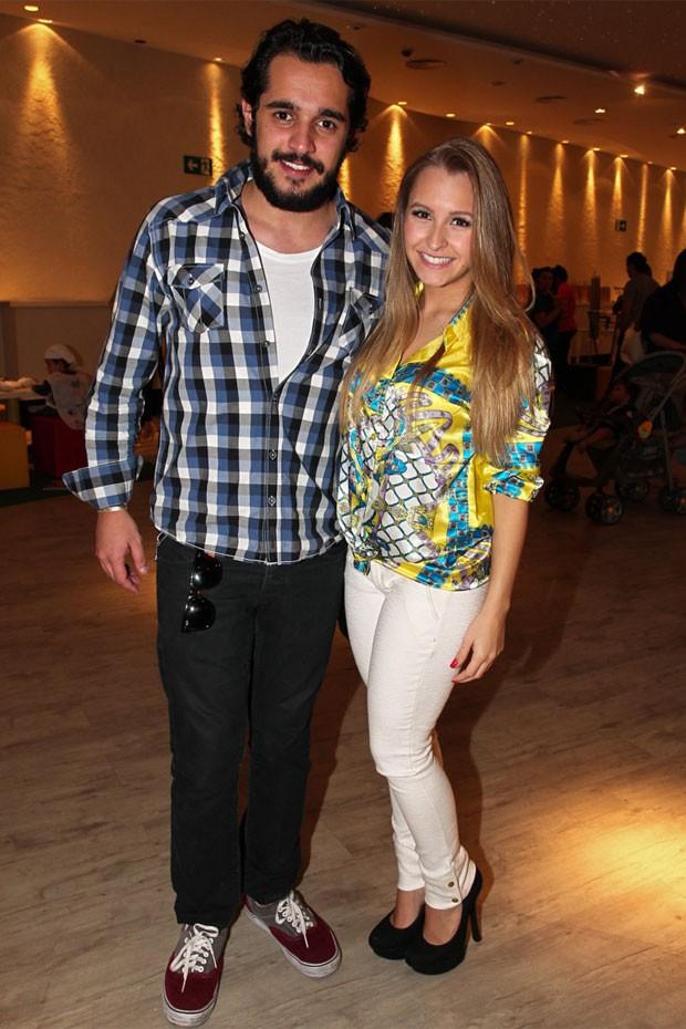 Carla Diaz e o namorado, o empresário Felipe Lombardi (Foto: Manuela Scarpa/Foto Rio News)