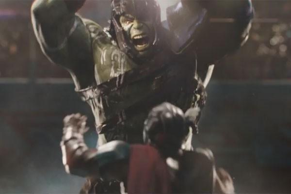 Thor e Hulk se enfrentam em Thor: Ragnarok (Foto: reprodução)