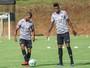 """Alvo de críticas, Felipe Santana lamenta lenta evolução: """"Me irrita"""""""