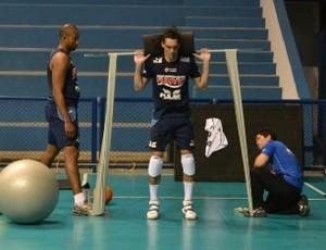 Giba treino Vôlei Taubaté (Foto: Filipe Rodrigues)