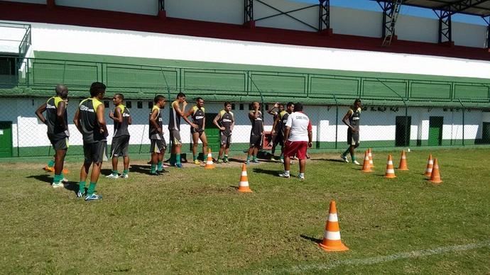 treino da cabofriense (Foto: Andreia Maciel)