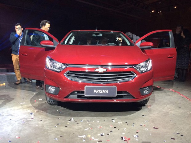 Chevrolet Prisma 2017 (Foto: Peter Fussy/G1)