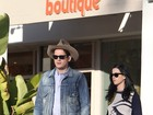 Katy Perry e John Mayer fazem passeio romântico na Califórnia