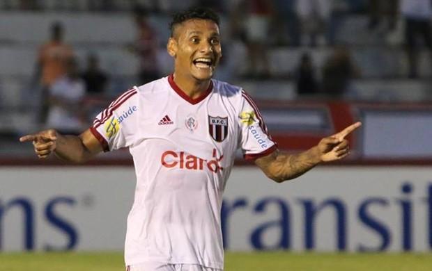 Wellington Bruno marca o primeiro gol do Botafogo na vitória contra o Mogi, por 3 a 1 (Foto: Rogério Moroti/Ag. Botafogo)