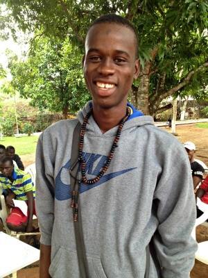 Magatte Ndiaye, de 22 anos, é um dos senegaleses que está no abrigo há duas semanas (Foto: Daniel Scarcellos/G1)