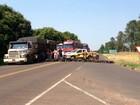 Manifestantes fecham PR-463 contra más condições da rodovia