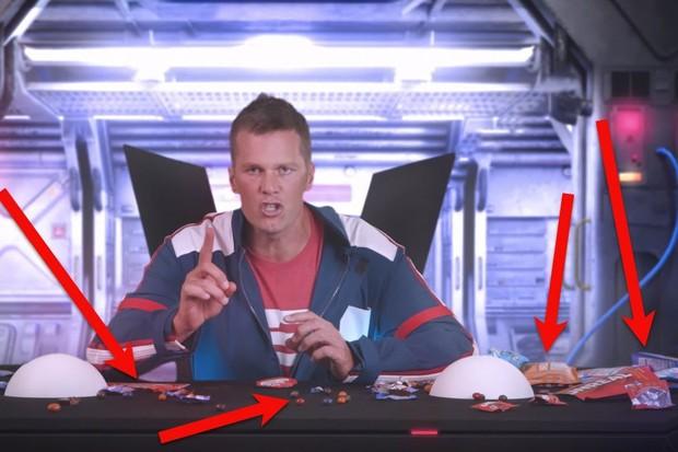 Tom Brady em anúncio da empresa de doces  (Foto: reprodução )
