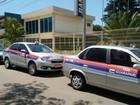Taxistas de Guarapari, ES, protestam contra táxis clandestinos