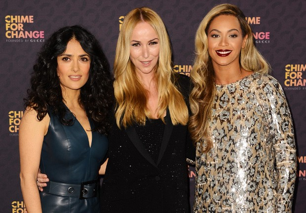 Salma Hayek, Frida Giannini e Beyonce, o trio por trás da ação global Chime for Change, da Gucci, que organiza o megashow neste sábado (01.06), em Londres (Foto: Getty Images)