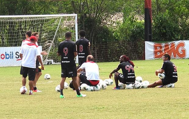jogadores no treino do Flamengo (Foto: Janir Júnior / Globoesporte.com)