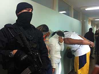 Supostos integrantes de quadrilha de tráfico de drogas no Distrito Federal (Foto: Gabriella Julie/G1)