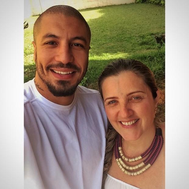 Fernando Medeiros e a sogra, Lígia. (Foto: Reprodução/Instagram)