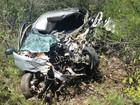 Colisão entre carro e caminhão deixa uma pessoa morta no Sertão de PE